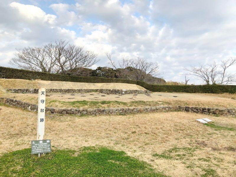 横須賀城跡の本丸跡