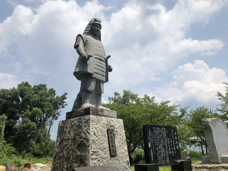 坂本城址公園の明智光秀像