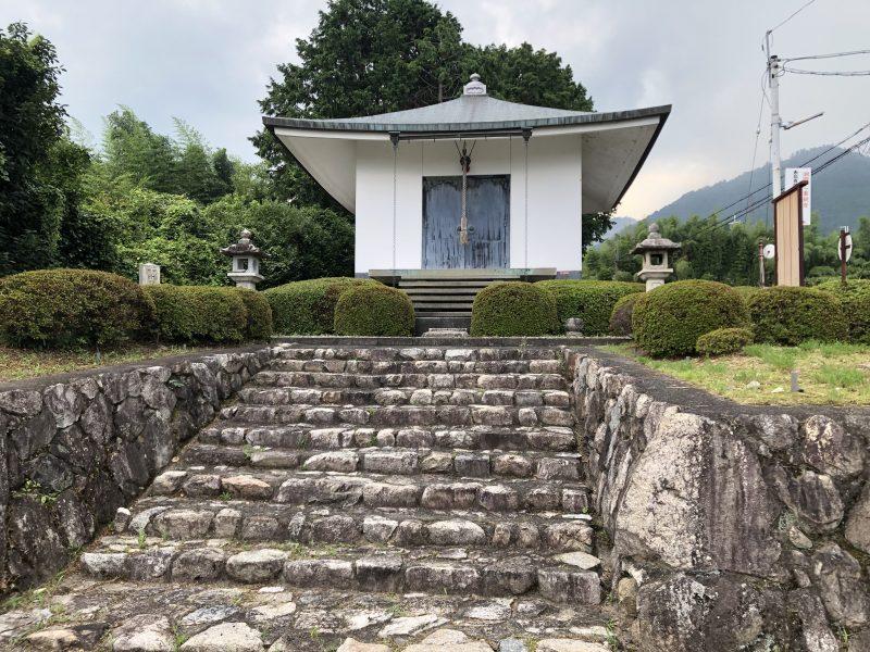 盛安寺の収蔵庫