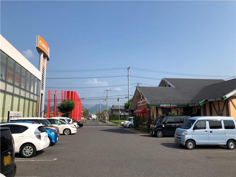 コメダ珈琲近江八幡店の駐車場