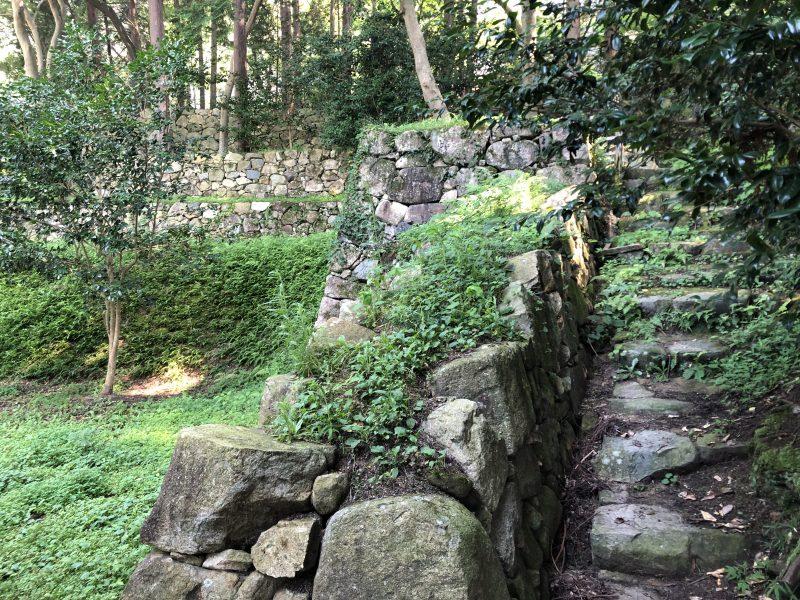 伝前田利家邸跡の石段