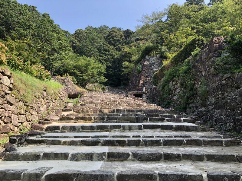 安土城大手道の石段