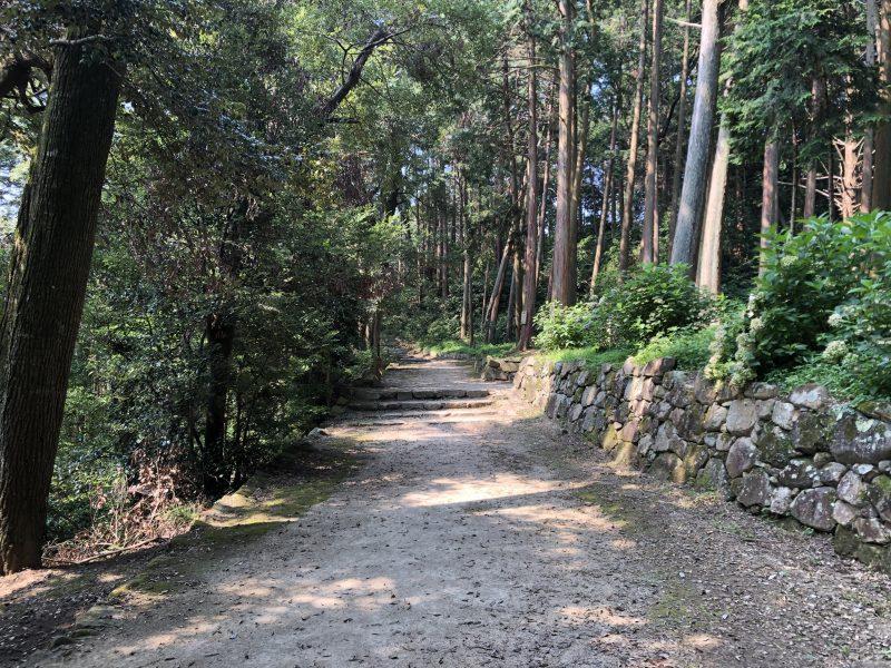 安土城主郭部への道