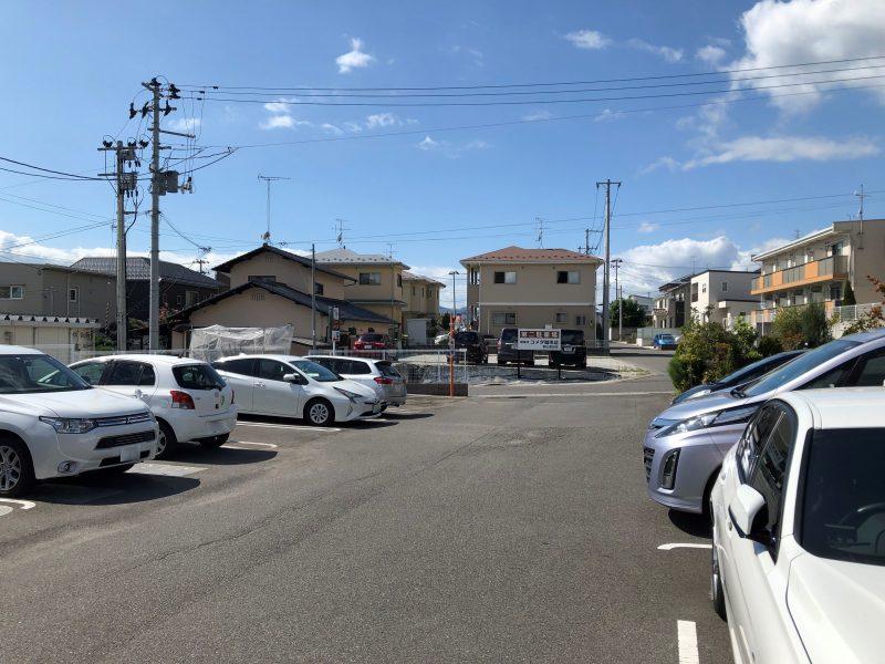 コメダ珈琲郡山富田店の駐車場