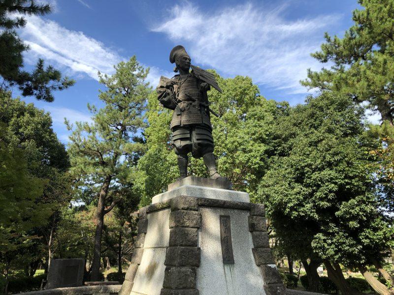 清洲公園の信長像